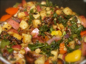 Happy Skillet! (Red Potatoes, Peppers, Kale)